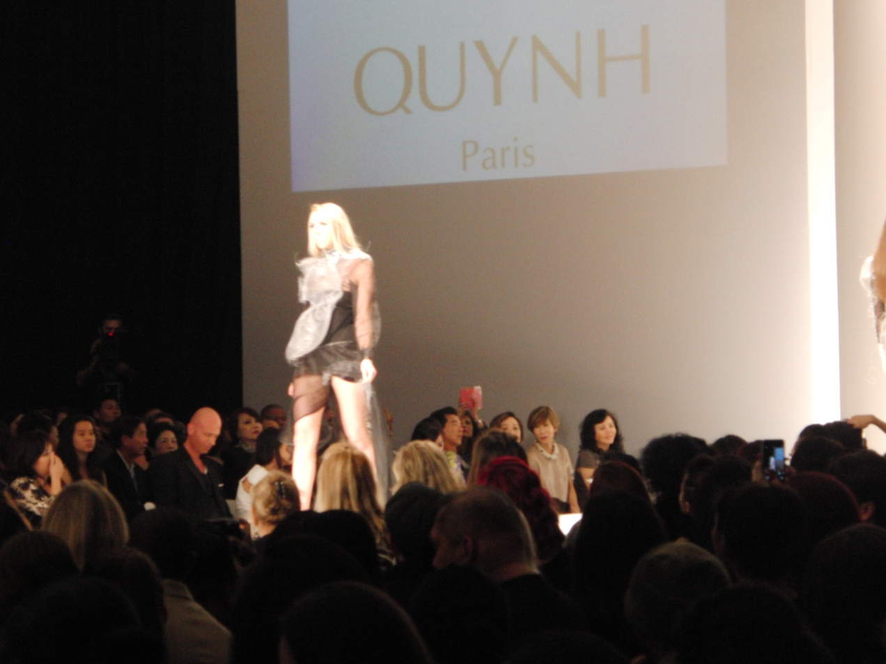 QUYNH ~ LA STYLE FASHION WEEK DESIGNER